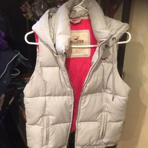 Women's like new Hollister down vest/hood grey lg